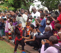OZZYBOSCO MOBBED BY FANS AT KODY